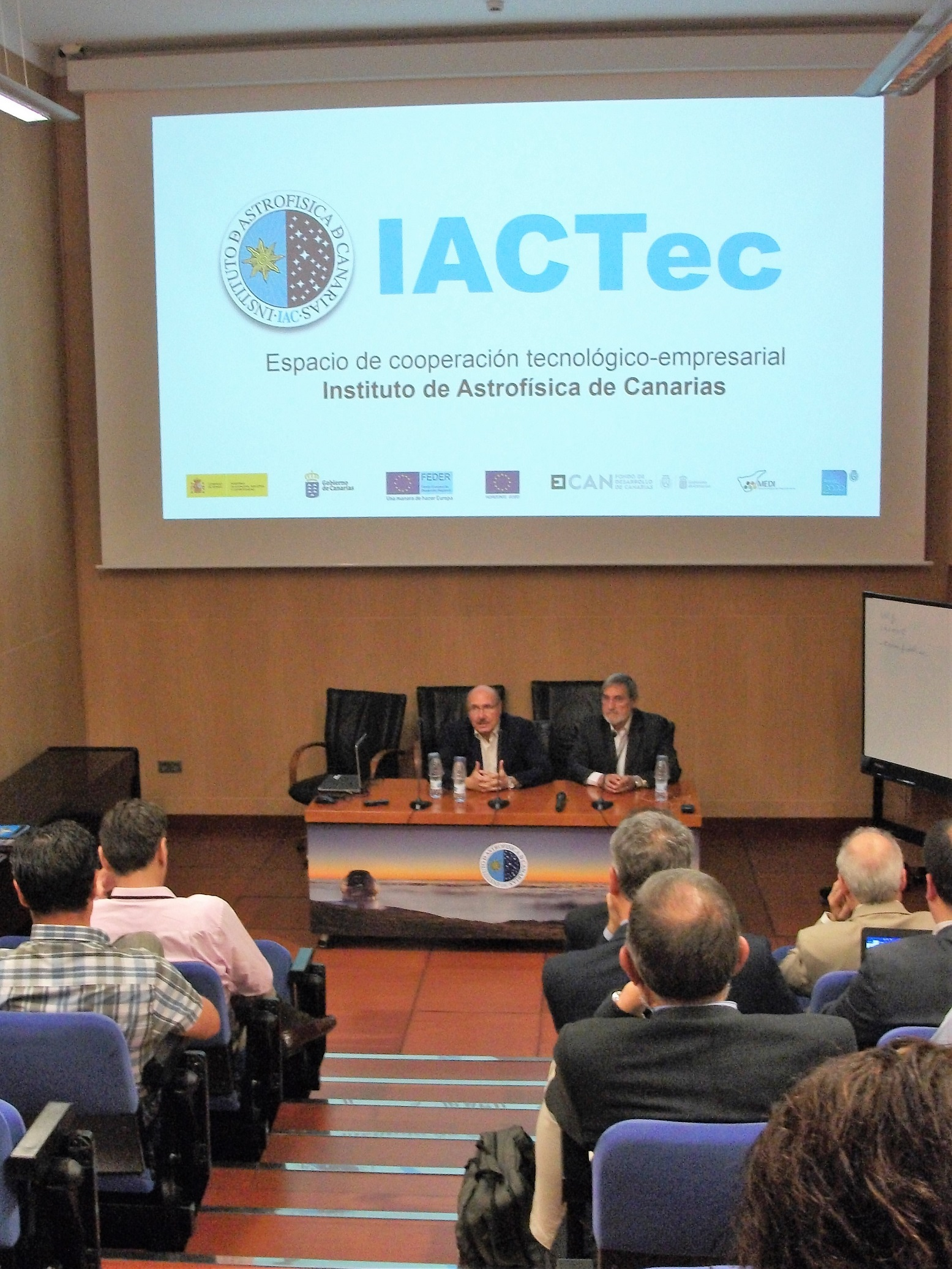 science-industry-conferences-and-work-meetings-at-tenerife
